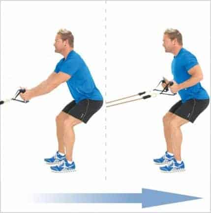 Rowing in squat position to muscle the back