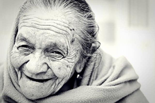 Séance de musculation a la maison - grand-mère