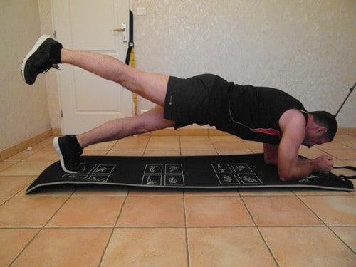 Prenez le muscle après 50 ans en musclant la sangle abdominale