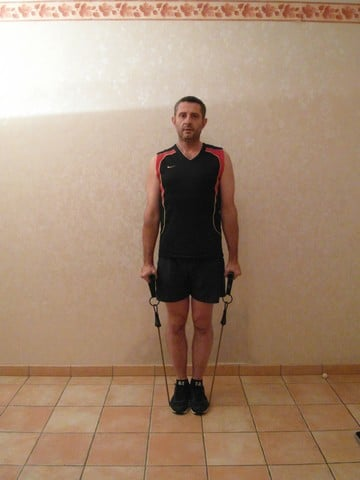 Musculation épaule - élévations latérales debout 1