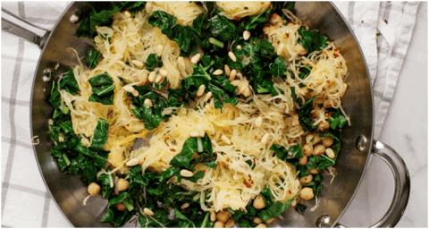Recette végétarienne protéinées - Courge spaghetti aux pois chiches et au chou