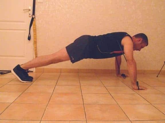 musculation avec des bandes élastiques