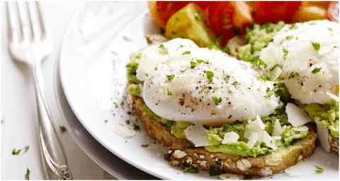 Recette végétarienne protéinées - Toast à l'œuf poché et à l'avocat