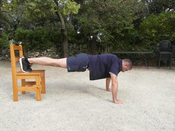 Exercices poids du corps - Pompes déclinées 1