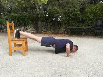 Exercices poids du corps - Pompes déclinées 2