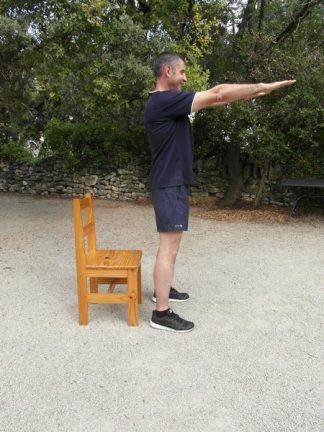 Exercice membres inférieurs poids du corps - Box squats 1