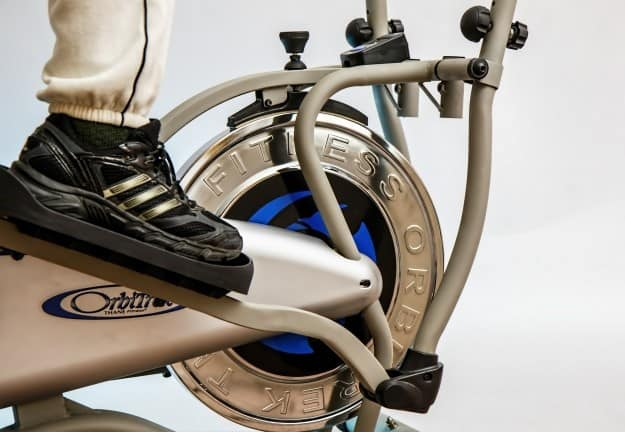 faire du vélo elliptique