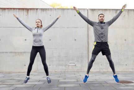 Jumping jack pour se muscler sans équipement