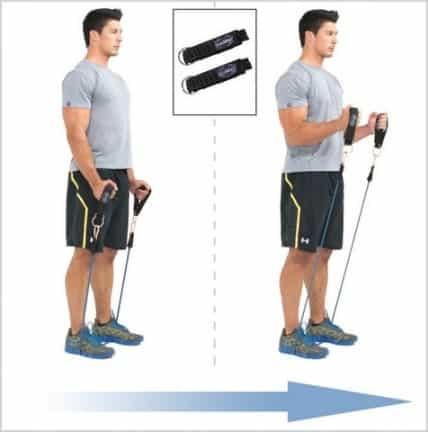 Curl marteau exercice pour les biceps à la maison