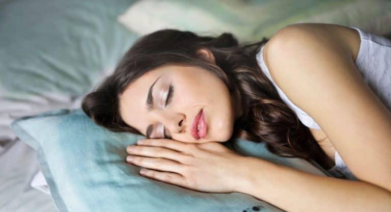 Bien dormir pour prendre du poids sainement