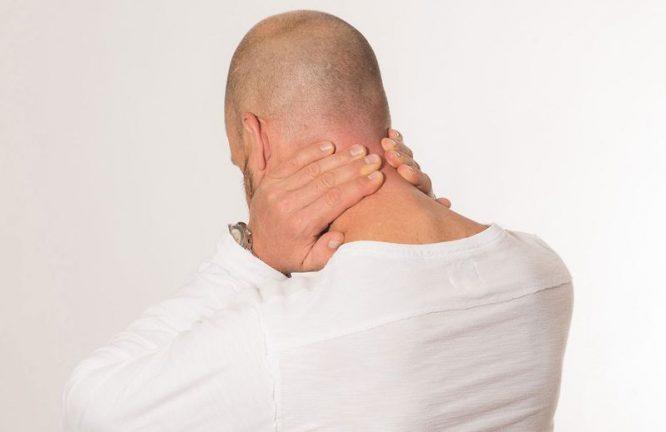 mauvaise posture conséquences - mal au cou