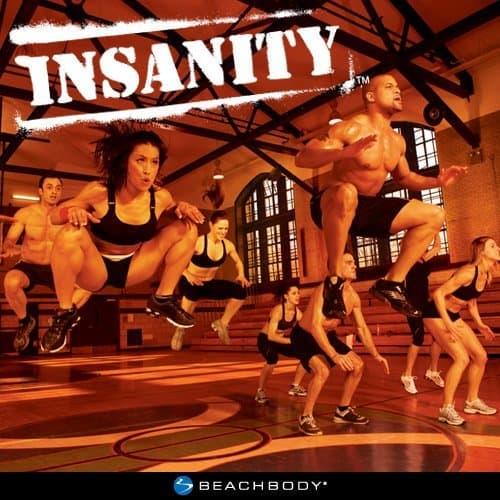 Beachbody Insanity : l'entraînement Cardio Ultime avec 10 DVD Shaun T, Un Guide nutritionnel, Un Calendrier et Un Soutien en Ligne