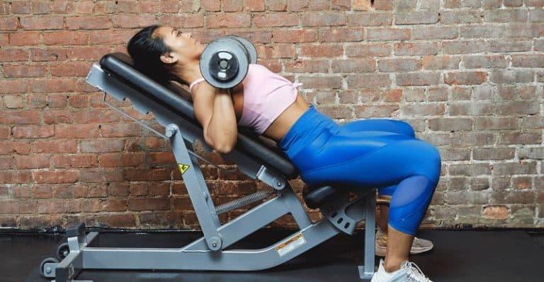 exercices pectoraux haltères